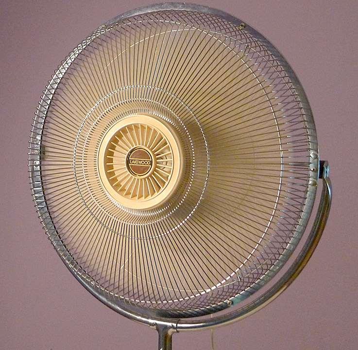 vintage lakewood fan huge floor model w 18 metal blades