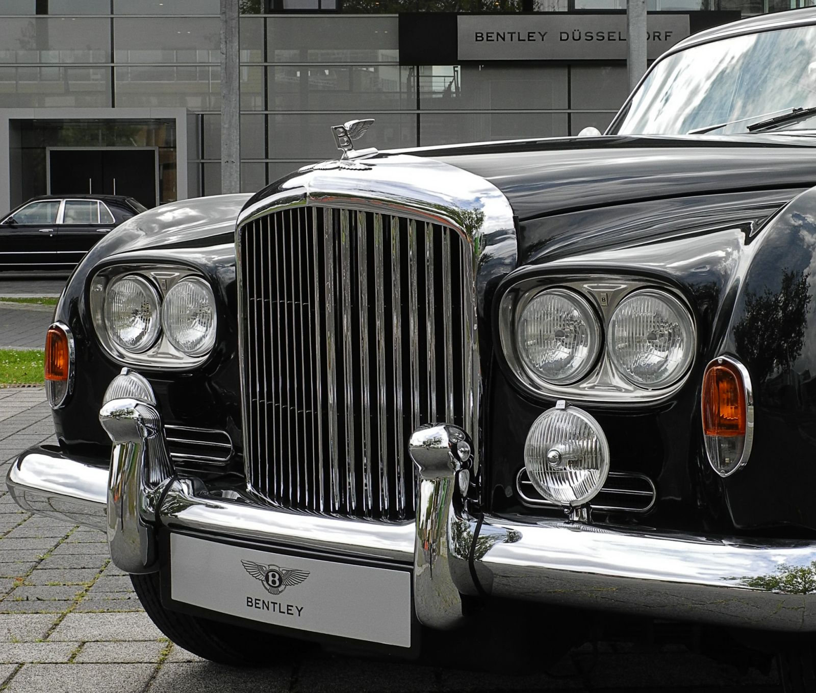 Bentley S3 Continental Flying Spur By Mulliner